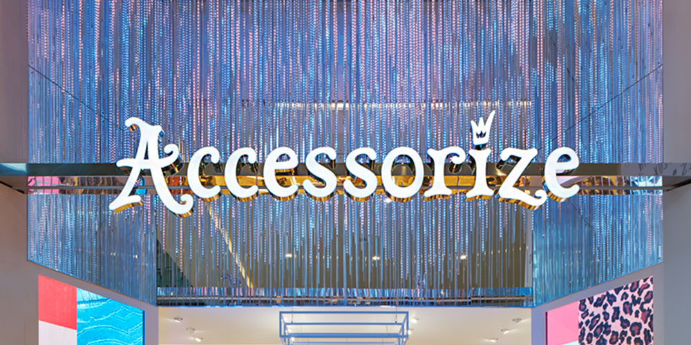 ACCESSORIZE 01_Westfield_London_Interior Design_LED_Digital_Graphics_VM