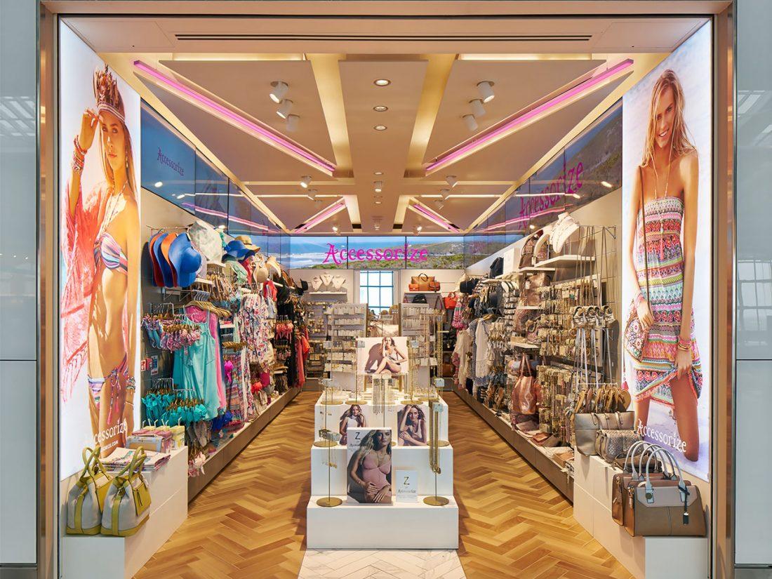 ACCESSORIZE 01_Westfield_London_Interior Design_LED_Digital_Graphics_VM