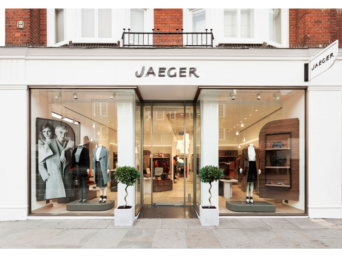 JAEGER 01_London_Interior Design_Retail_Shopfront_Projecting sign_Kings Road