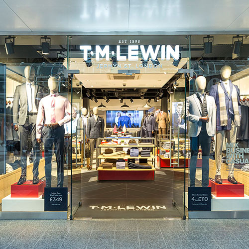 TM LEWIN 01_Liverpool Street_London_Interior Design_Shopfront_Plinths_Logo_Windows