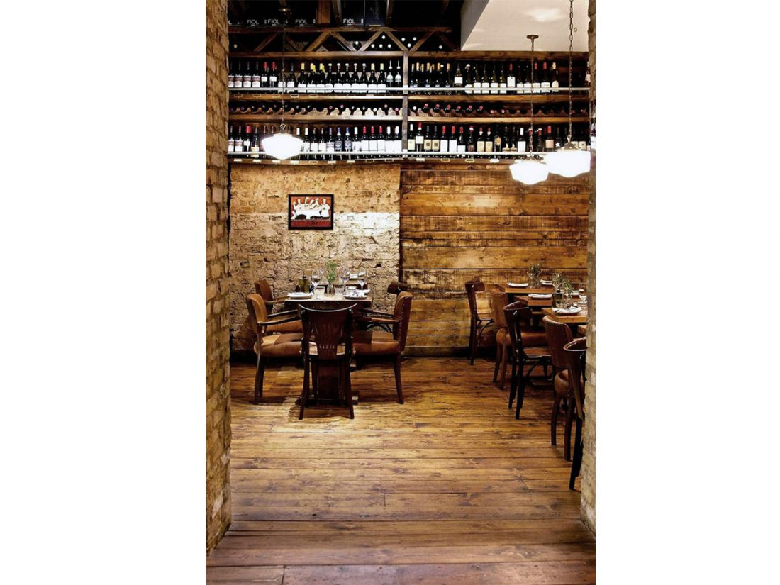 ENOTECA 01_Old St_St Pauls_Mayfair_Guildhall_Devonshire_Bank_London_Interior Design_Hospitality_Restaurant_Bar_Projecting Sign